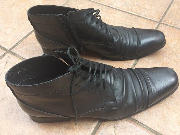 革靴トンガリ